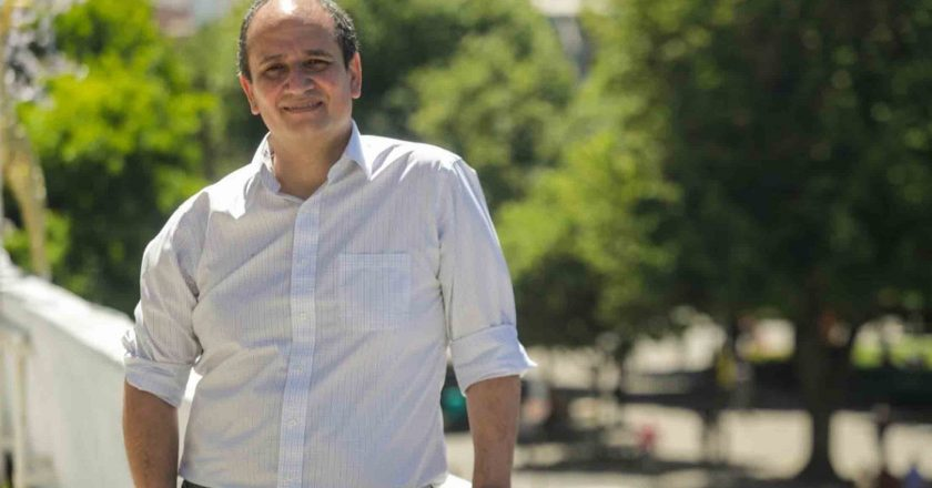 """Rodrigo Díaz Worner, gobernador de Biobío: """"Los diez millones de las regiones merecemos el mismo trato de los que viven en la RM"""""""